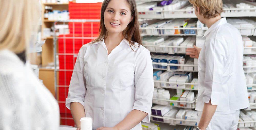 Studying pharmacy technician programs in schools in Memphis