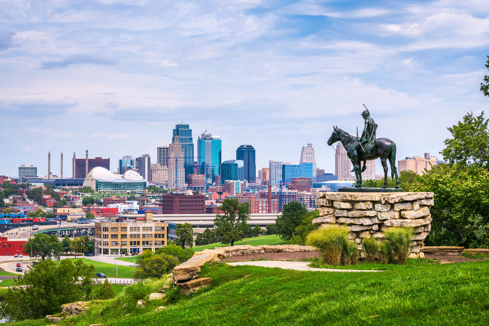 A panoramic view of the skyline in Kansas City MO